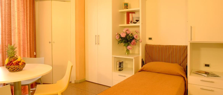Living room - twin beds