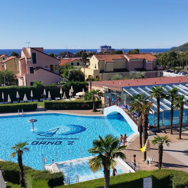 Le piscine del loano 2 village loano2 village for Gioco di piscine