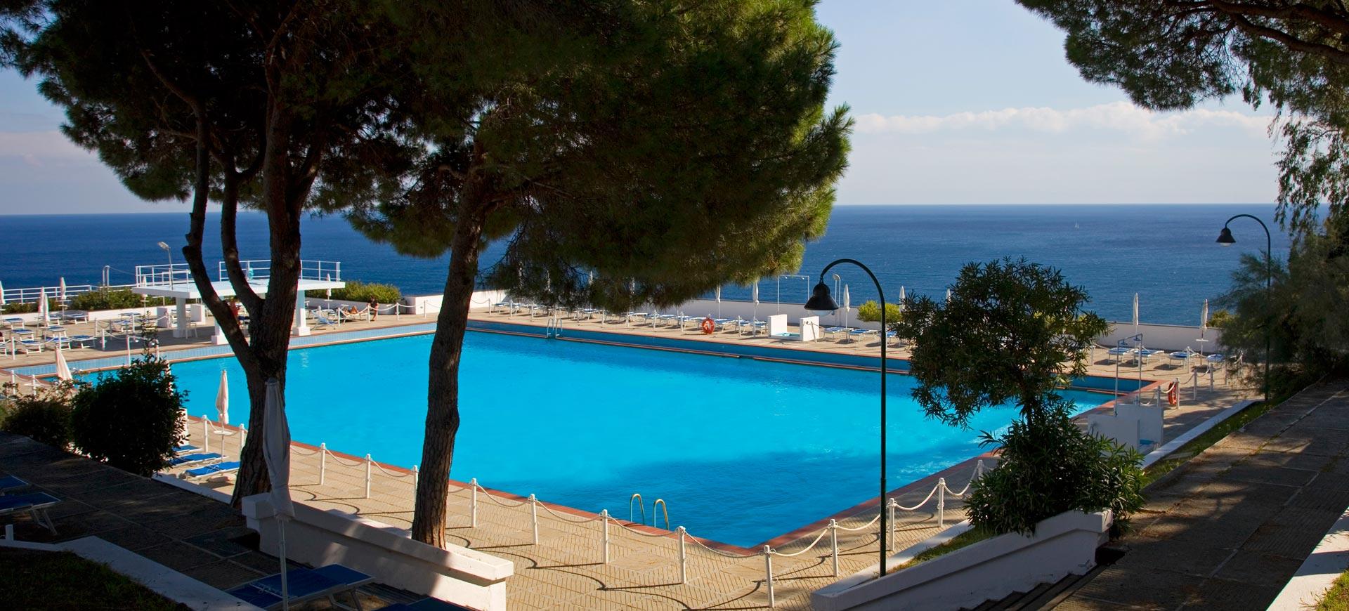 piscine panoramique Arenzano Genova