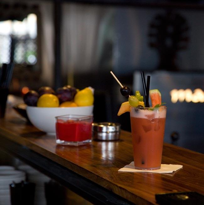 Cocktail au comptoir du Marajà Grand-Lounge Bar
