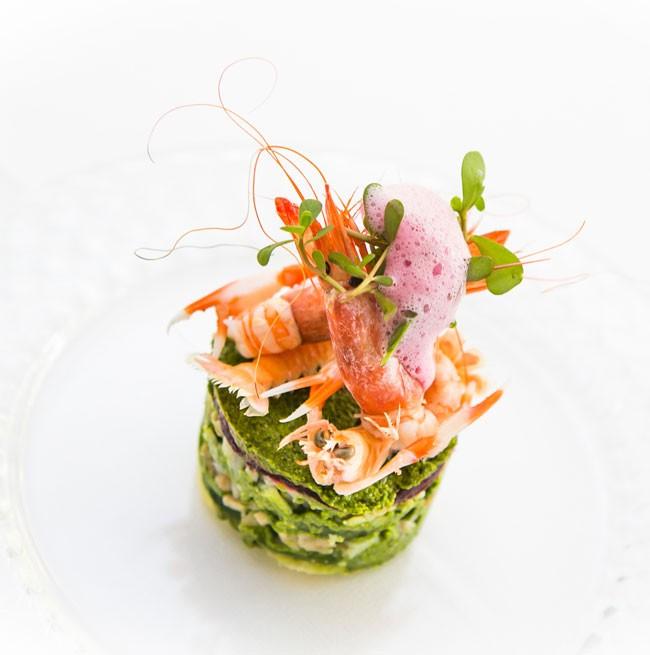 Presentazione elegante di un primo piatto di mare del Ristorante La Punta